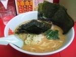 「醤油ラーメン¥590(麺硬め) のり¥100」@ラーメン山岡家 足利店の写真