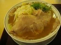 「豚骨醤油らーめん・餃子セット(880円)」@丸醤屋 northport mall店の写真