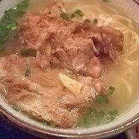 「沖縄ソーキそば」@沖縄料理 ナンクルナイサ 銀座店の写真