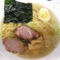 「ラーメン(塩・味薄め・鶏ベース)¥600」@ラーメン 日本一の写真