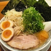 「具だくさん特製肉そば +ゆで野菜」@丸源ラーメン 月見町店の写真