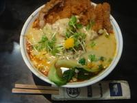 「担々麺(ライス無し)+パーコー+ゴマ増し+杏仁豆腐」@四川屋台の写真