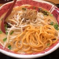 「激辛スタミナ麺 800円」@だるまのめ 池袋西口店の写真