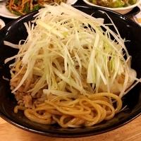 「汁なし担々麺 880円」@手打拉麺 焼小龍包 京の華の写真