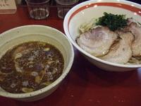 「魚介醤油つけめん」@京つけめん つるかめ六角の写真