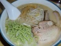 「野沢菜とんこつラーメン 750円」@ありがたやの写真