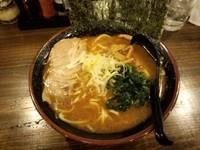 「豚骨魚介(醤油)600+中盛100円」@ラーメン将太の写真
