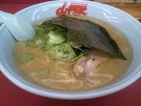 「ラーメン中盛り(醤油)690円」@ラーメン山岡家 太田店の写真