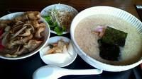 「ミニ肉丼&醤油ラーメン(こってり)」@ラーメン頑八 入間店の写真