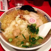 「塩味ワンタン入  980円」@かもめ食堂の写真