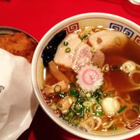 「ミニ気仙沼ラーメン正油  550円」@かもめ食堂の写真