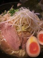 「ら~めん(中盛)+野菜+半熟煮玉子900円」@らーめん 蓮の写真
