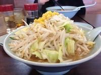 「塩バタラーメン 太麺+野菜大盛り×2」@ジャンボ餃子 天神の写真