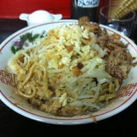 「まぜそば並 野菜マシ 油ニンニク少なめ」@自家製太麺 ドカ盛 マッチョ 難波千日前店の写真