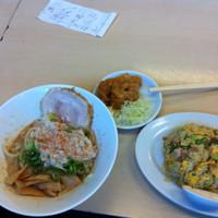 「まぜそばランチ¥500 チャーハン +¥300」@麺屋 ジョニー ベルロード店の写真