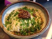 「汁なし担々麺大盛り:680円」@すずらん亭の写真