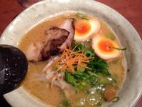 「極み豚骨」@らー麺スミイチ 大阪和泉店の写真