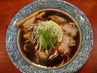 「薫香醤油ラーメン」@頑固麺の写真