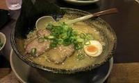 「豚骨醤油らーめん」@越後秘蔵麺 無尽蔵 六日町家の写真