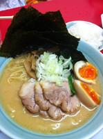 「豚骨醤油」@横浜家系ラーメン 清六家 東京大山アジトの写真