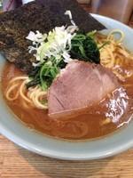 「ラーメン 大盛」@横浜家系豚骨醤油極太麺 侍 本店の写真