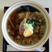 「喜多方ラーメンしょうゆ 650円」@レイクサイド磐光(喫茶・食堂)の写真