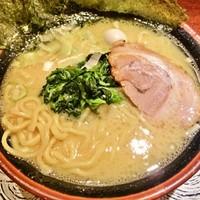 「ラーメン(塩)+ギョーザ(680円+350円)」@横濱家系ラーメン さがみ家の写真