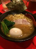 「豚骨醤油ラーメン+味玉」@らー麺's kitchen かわべの写真