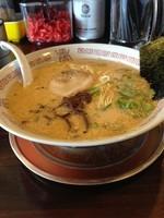 「豚骨醤油」@四十三代目 哲麺 入間宮寺店の写真