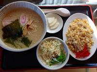 「ランチセット(半チャーハン+塩らーめんコッテリ)¥850」@ラーメン頑八 入間店の写真