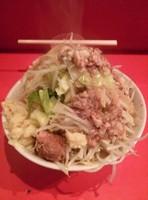 「小豚ラーメン 野菜ニンニクあぶらカラメ+チーズ」@ラーメン二郎 府中店の写真