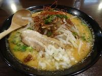 「魚介味噌ラーメン 大盛 780円 (大盛無料)」@ラーメン エアーストリームの写真
