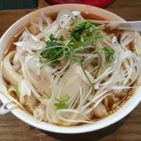 「酸辣刀削麺(¥800)」@刀削麺 張家 麹町店の写真
