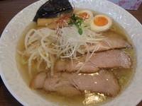 「塩味玉子入りらー麺(790円)大盛(+110円)、小ごはん」@らー麺 塩やの写真