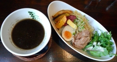 「Black Deep Garicつけ麺 970円」@No One Style Cafeの写真