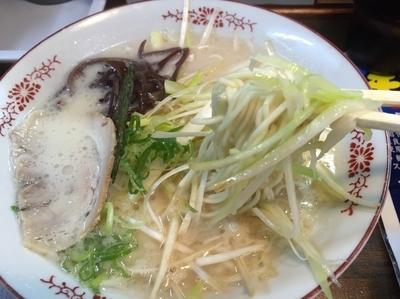 「塩豚骨白髪ネギラーメン&替え玉」@豚骨ラーメン いちもんじの写真