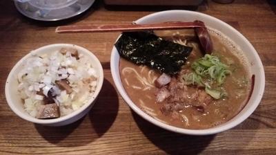 「煮干しらーめん中盛+豚飯」@吉田製麺店の写真