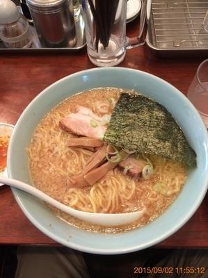 「醤油ラーメン(大盛り)800円」@麺や新源の写真