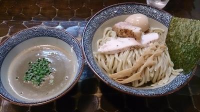 「【限定】危険! ど煮干つけ蕎麦+味玉」@特級鶏蕎麦 龍介の写真
