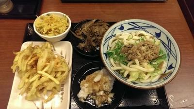 「鬼おろしにくぶっかけうどん、大盛、冷」@丸亀製麺 川崎宮前店の写真