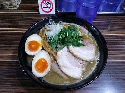 「鶏煮込みチャーシュー改  麺大盛り  半熟味付玉子」@ラーメン人生 JET 福島本店の写真