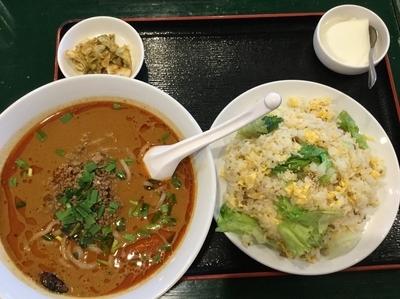 「担々麺 大辛 半チャーハンset」@百香亭 守谷店の写真
