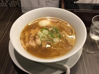 「なるとやラーメン醤油 900円」@なるとや 大須店の写真