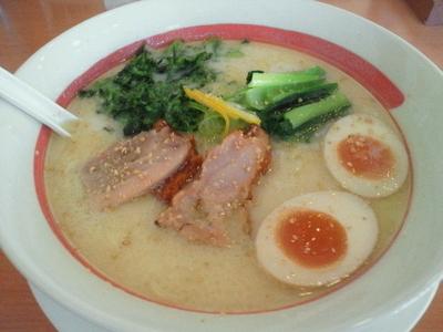 「鶏白湯ラーメン 637円」@幸楽苑 矢野目店の写真
