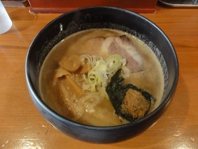 「濃厚らーめん」@麺道 ともよし 東三国店の写真