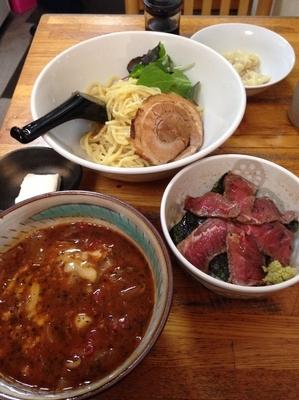 「トマトつけ麺  ミニローストビーフ丼  ワンタン(クーポン)」@塚越ラーメンの写真