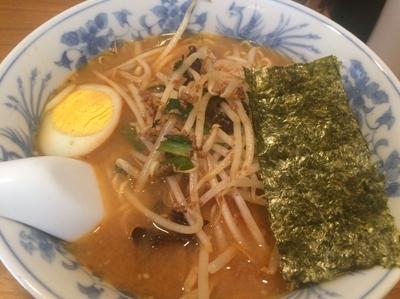 「ピリ辛もやしの味噌ラーメン」@らーめん れんげの写真