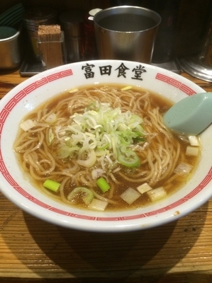 「かけそば 500円」@松戸中華そば 富田食堂の写真