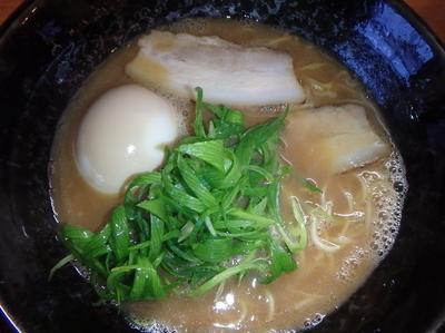「らーめん(並)(680円)、煮玉子(50円)」@らーめん両さん。の写真