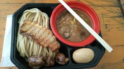 「中華蕎麦とみ田 王道の濃厚豚骨魚介 全部のせ」@大つけ麺博プレゼンツ つけ麺VSラーメンの写真